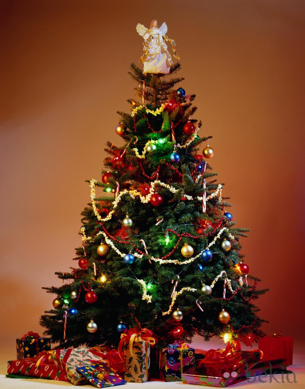 Pluma encendida por ang lica d az de vera como rbol de - Arbol tipico de navidad ...