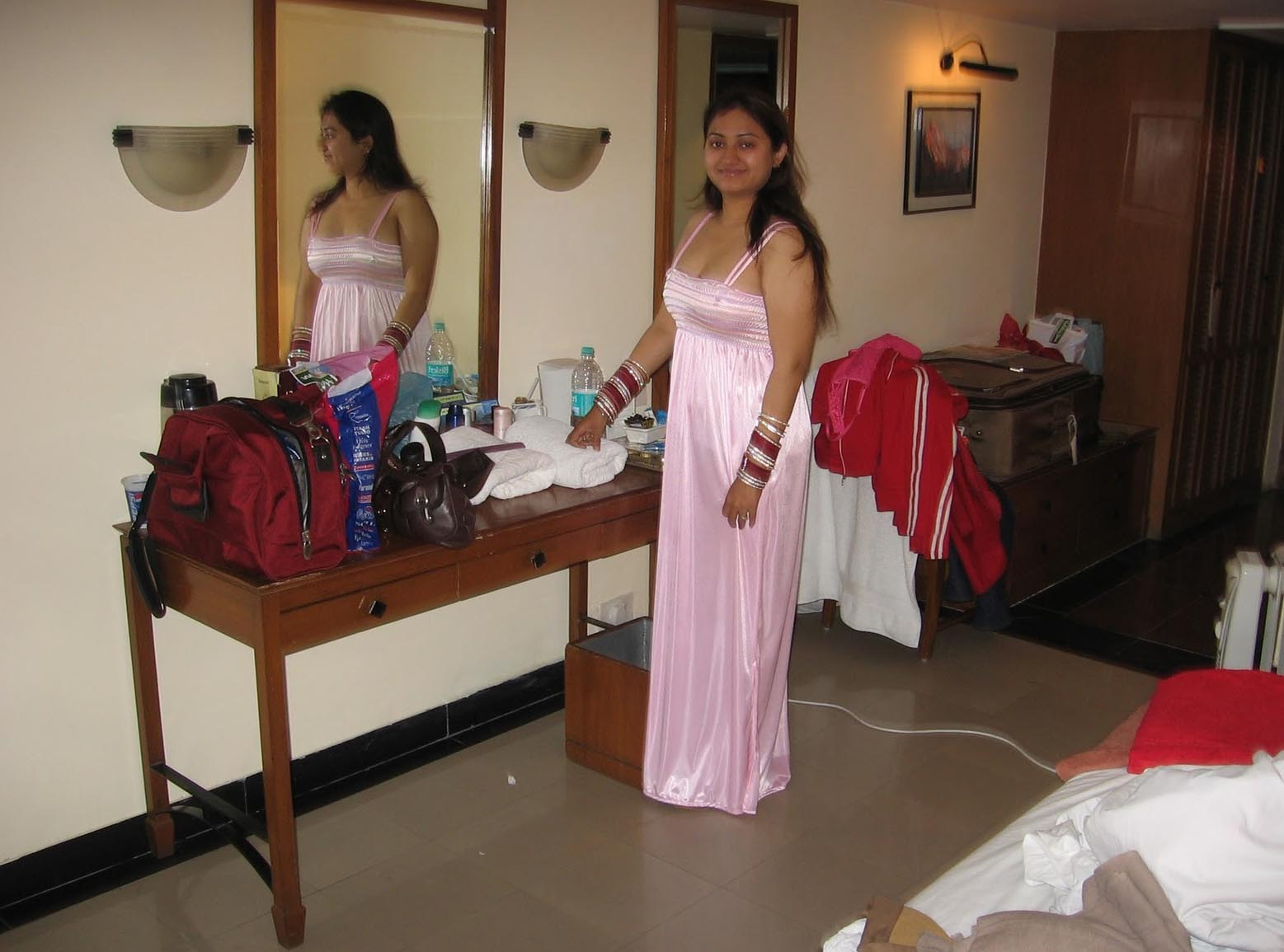 Indian Hot Models Girls Beauty Night Party