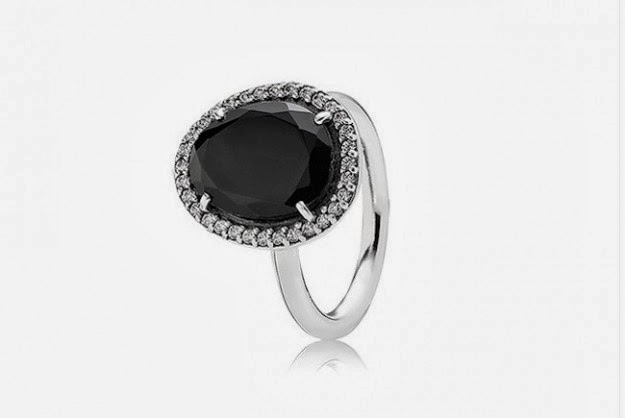 anello con perla nera pandora