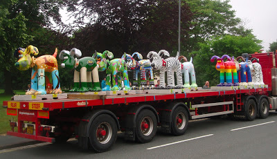 Lots of Gromits on a delivery truck