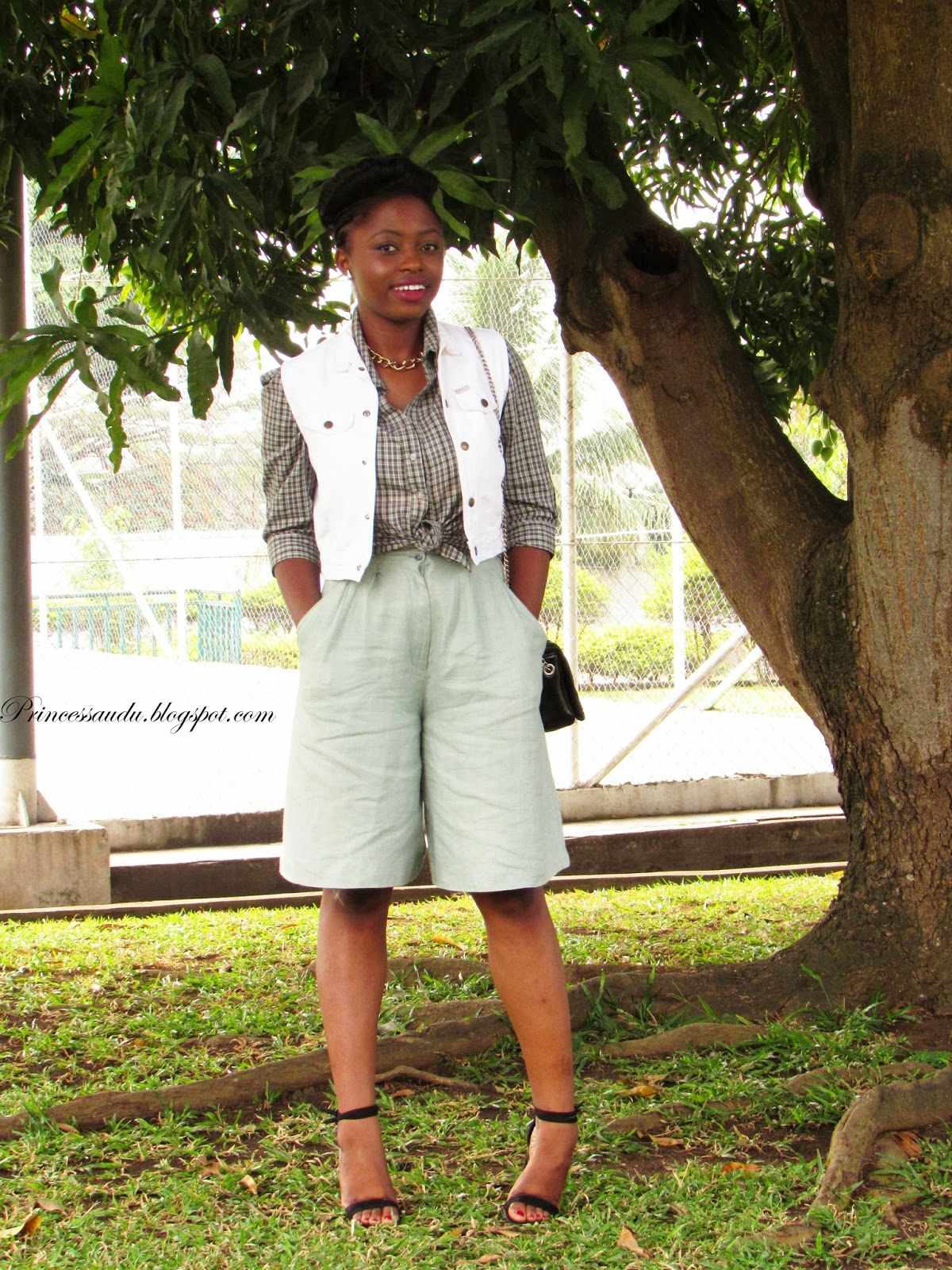 Plaid shirt, Tartan, denim vest, vintage, Zara, Culottes, Chunky heels, trend