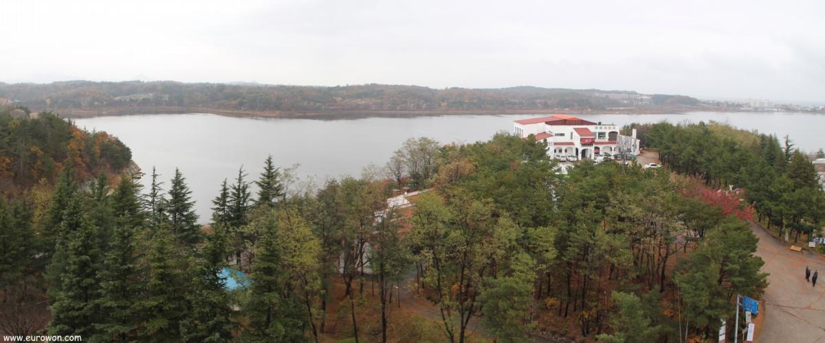 Lago Yeongnagho cerca de Sokcho