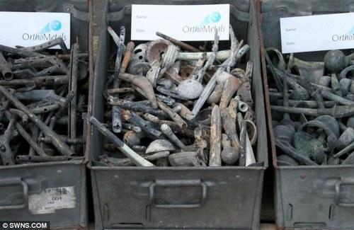 BESI-BESI yang diperoleh daripada proses pembakaran mayat akan dijual untuk dikitar semula dan hasilnya disalurkan kepada tabung-tabung kebajikan.