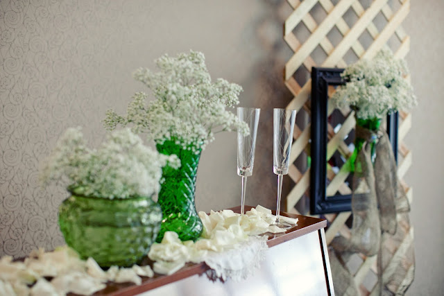 green glass wedding decoration