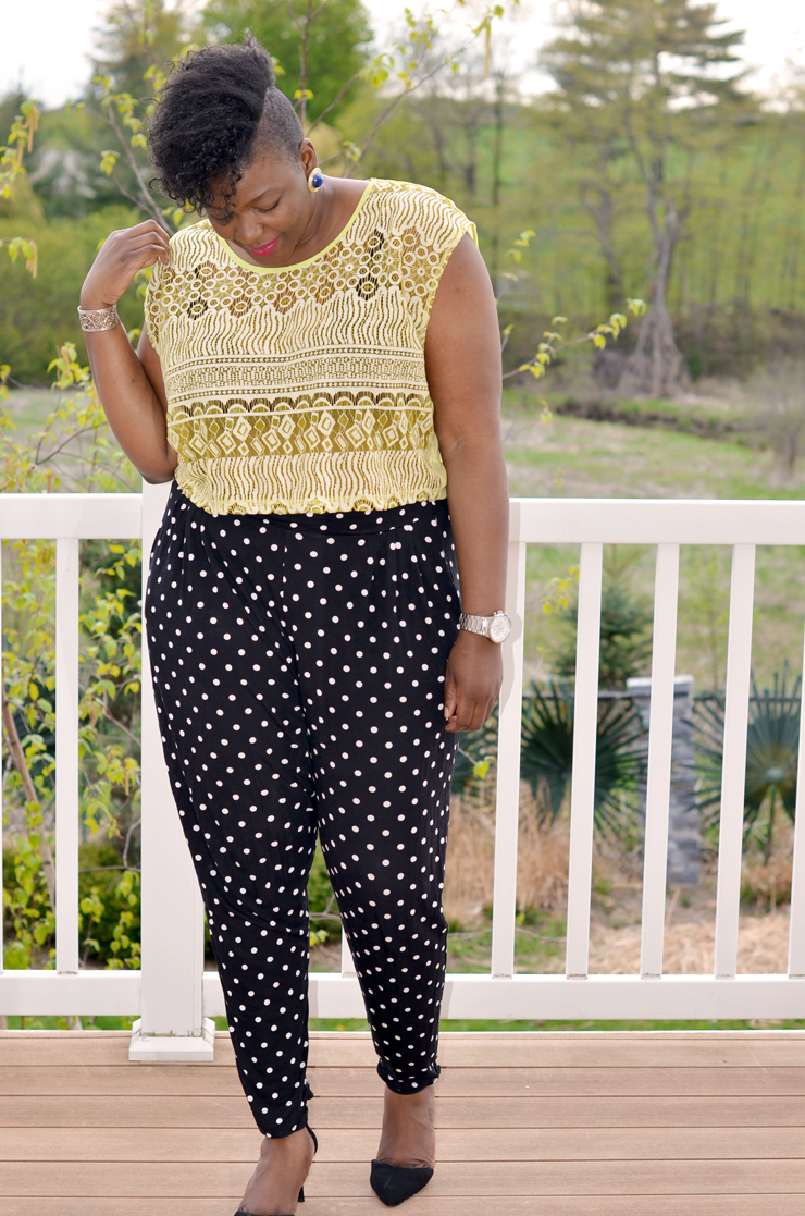 Canadian plus size fashion blogger Plus size girl wearing a crop top and polka dots pants from Asos curve