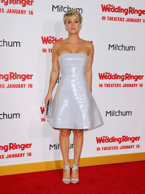 Kaley Cuoco The Wedding Ringer strapless dress