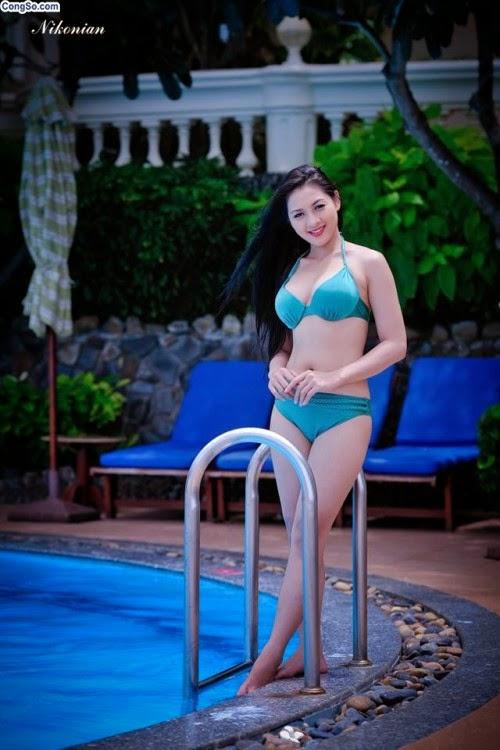 Hoa hậu Thái Nhã Văn Khoe sắc với bikini bên hồ bơi 6
