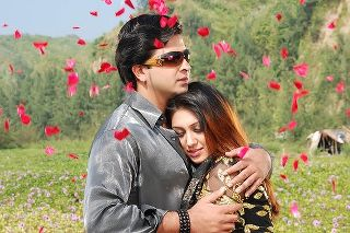 Shakib Khan And Apu Biswas