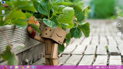 Danbo Doll Windows 7 Theme