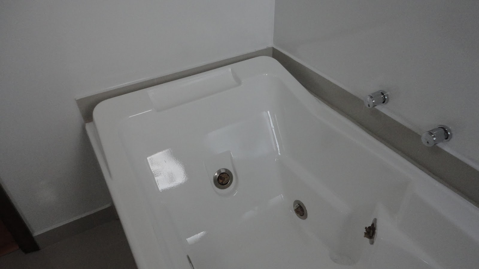 Fibra Comércio de Fibra ltda: pintura de banheiras de fibra de vidro #3A3835 1600x900 Banheiro De Fibra De Vidro