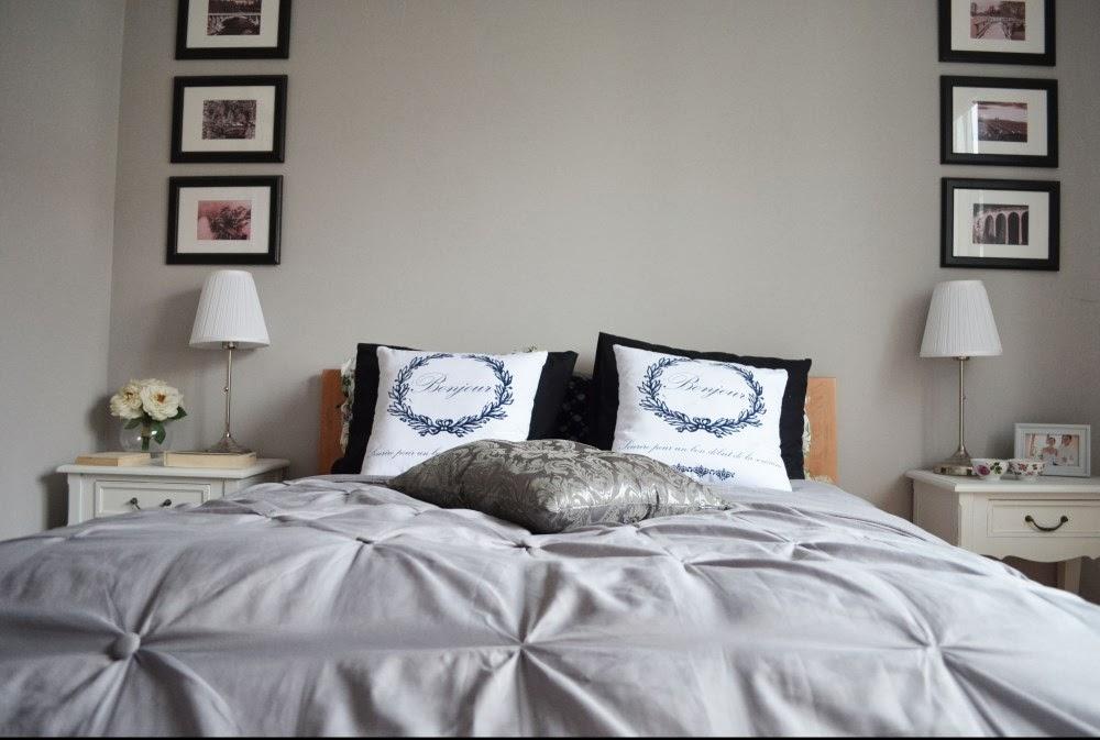 szara sypialnia narzuta pikowana
