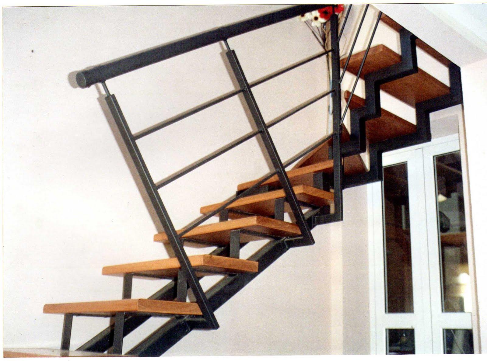 Fabrica de escaleras de hierro forjado ceroli escaleras for Como construir una escalera de hierro y madera