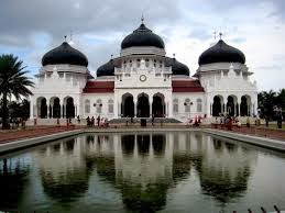 Tempat Wisata yang paling populer Di aceh, mesjid raya baiturrahman banda aceh