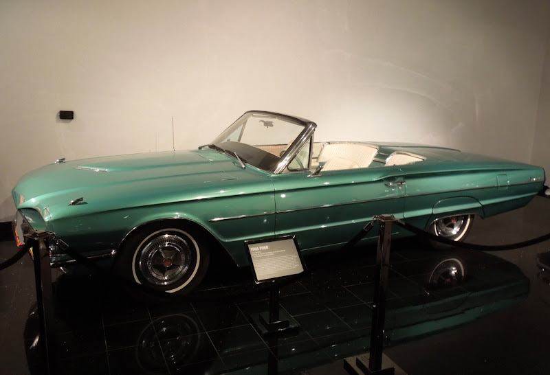 Thelma Louise 1966 Ford Thunderbird Convertible