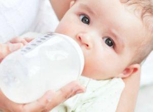 Panduan Sehat Memberi Bayi Makanan