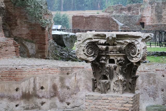 Roman baths column architecture