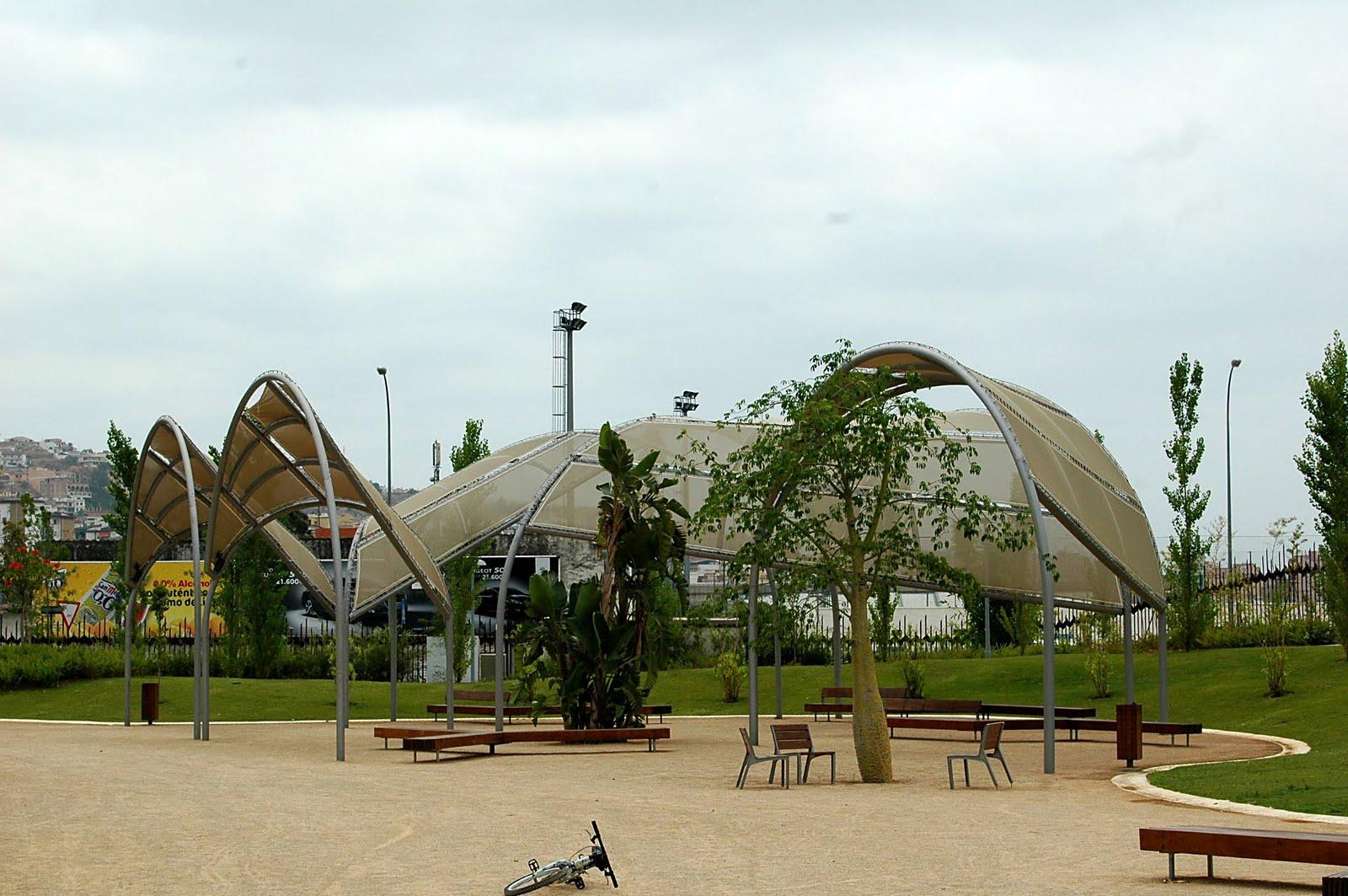 FLORACIONES EN MÁLAGA Y MÁS: Parque de la Alegría de ... - photo#8