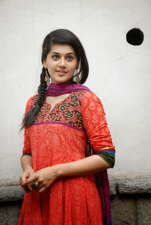 Gorgeous+Taapsee+Pannu+in+Traditional+Dress001