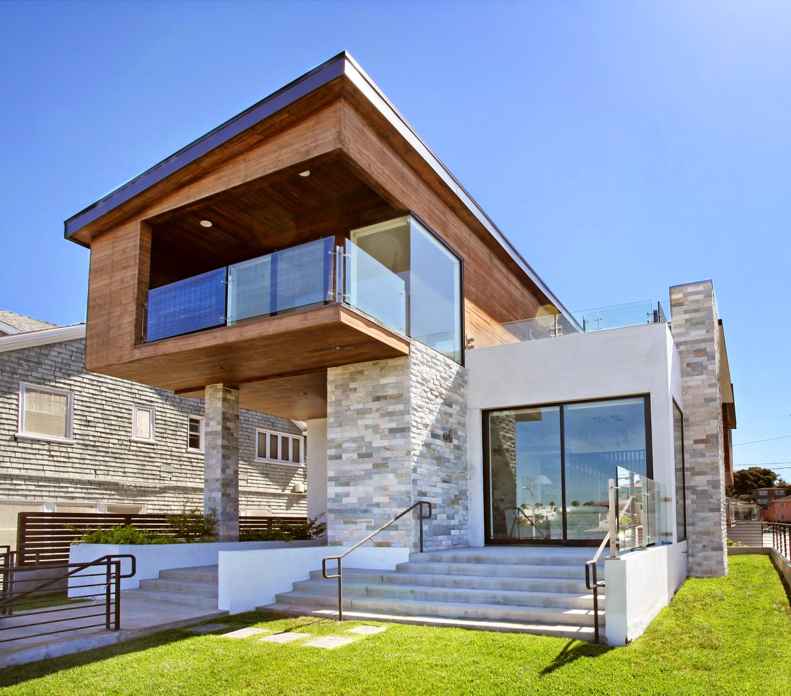 Architectural contemporary beach house for sale with ocean for Contemporary home builders