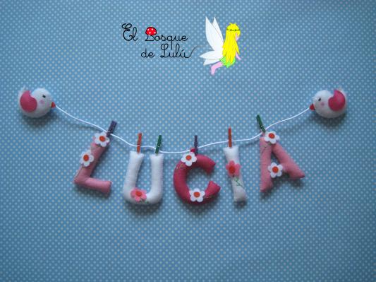Nombre-decorativo-en-fieltro-Lucía-pajaritos-regalo-nacimiento-decoración-infantil-personalizada