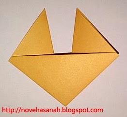 langkah ke enam cara membuat origami serigala untuk anak-anak tk dan sd kelas rendah