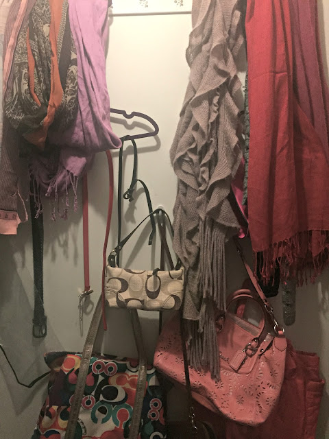 hanging-purses-and-scarves