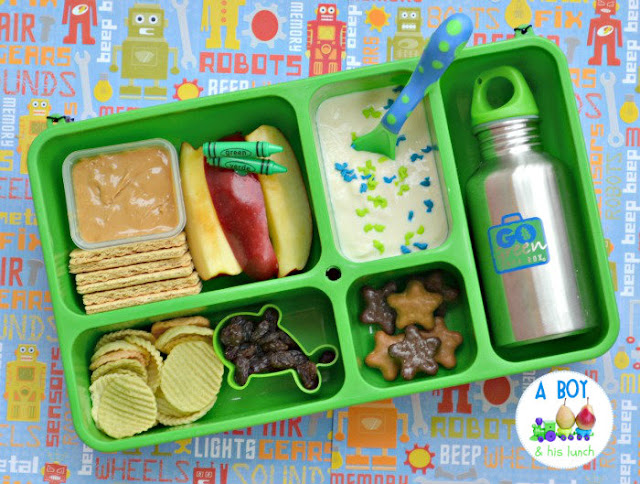 a boy his lunch go green lunchbox review giveaway. Black Bedroom Furniture Sets. Home Design Ideas
