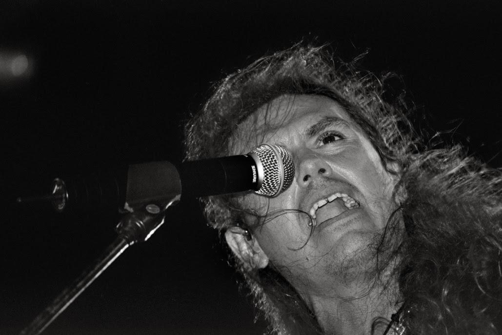 SAÚL HERNANDEZ.