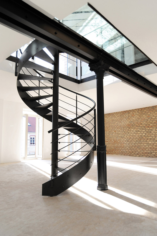 Le top 10 des escaliers design en colima on et h licoidaux le blog de loftb - Escalier loft lapeyre ...