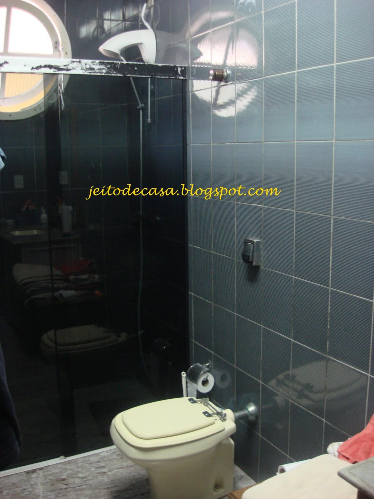 próxima vítima das reformas! Meu banheiro!! Jeito de Casa Blog  #924139 1200x1600 Banheiro Azulejo Pintado