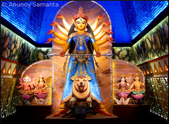 Durga Puja 2015 - Pandal hopping on Panchami midnight