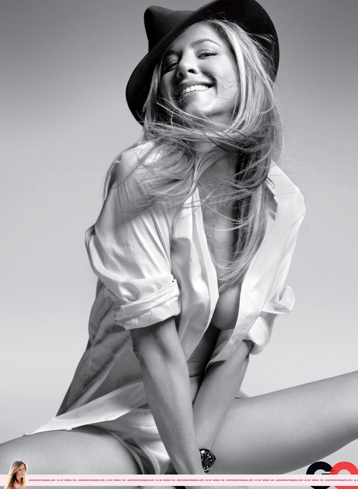 http://1.bp.blogspot.com/-5Y6ZcFrbUSk/TnVTrjWXgfI/AAAAAAAAHtg/cCKIlqcca3U/s1600/Aniston+topless+para+revista+GQ.jpg