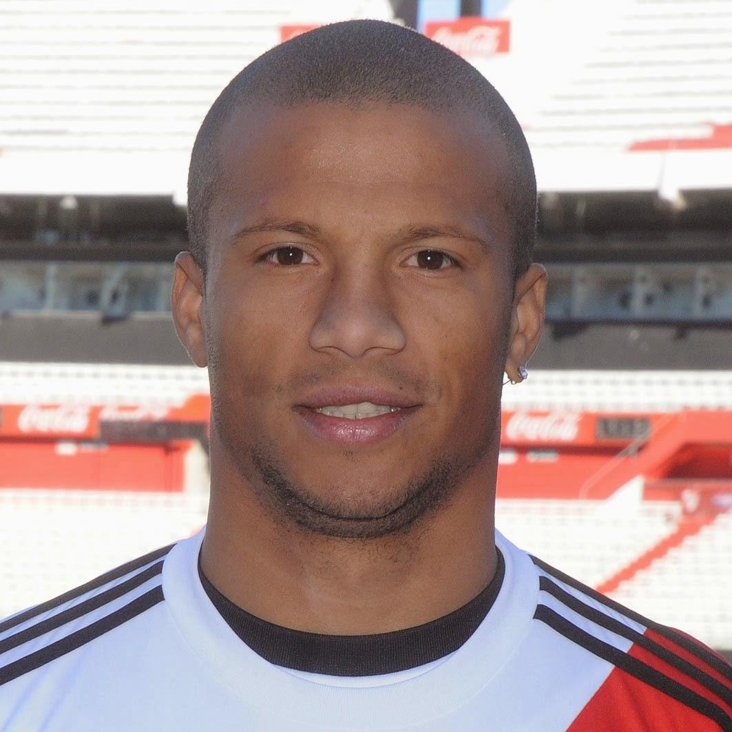 el Blog de los Carlos famosos Carlos Sanchez River Plate