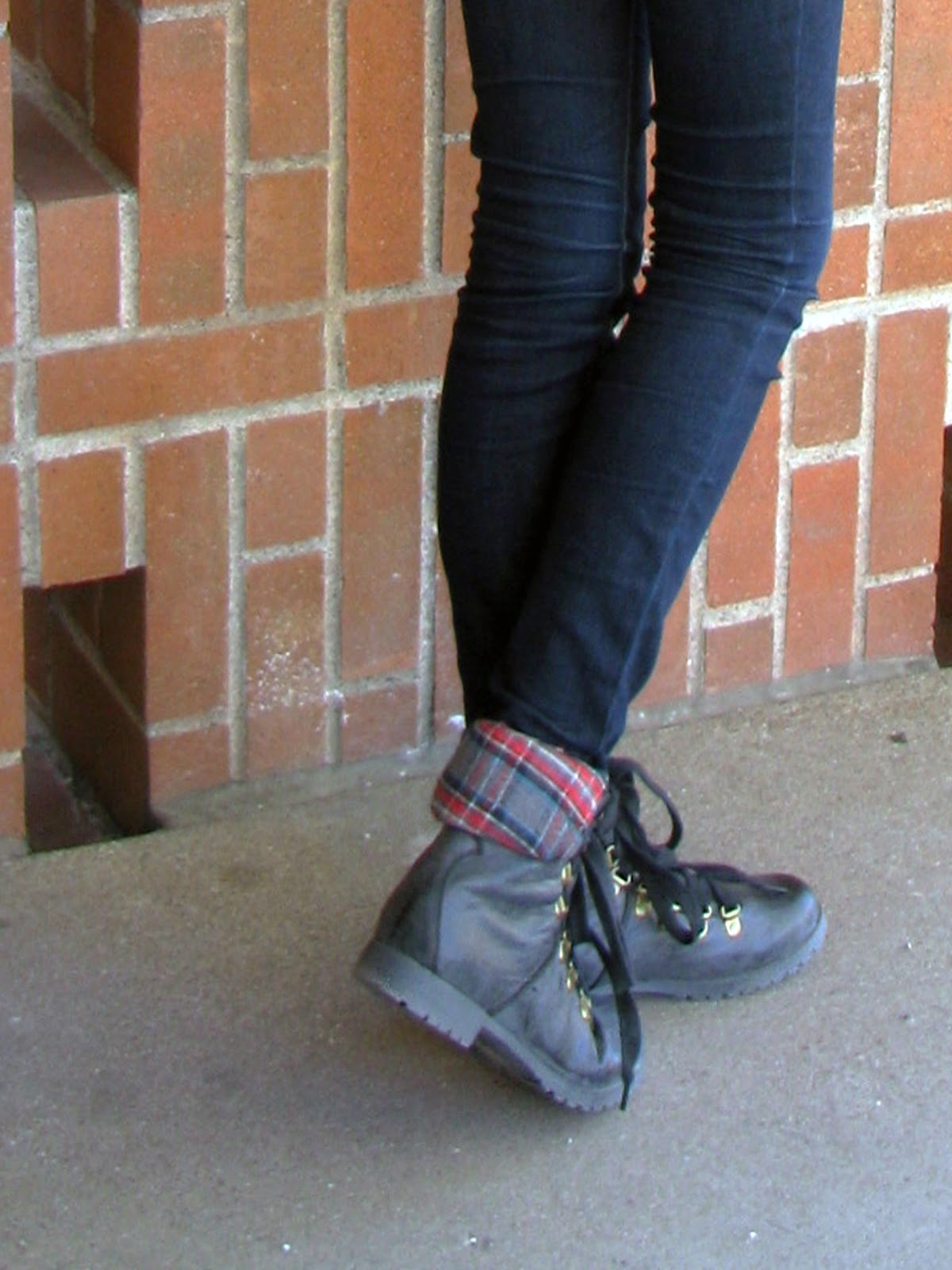 How to fold wear down combat boots fotos