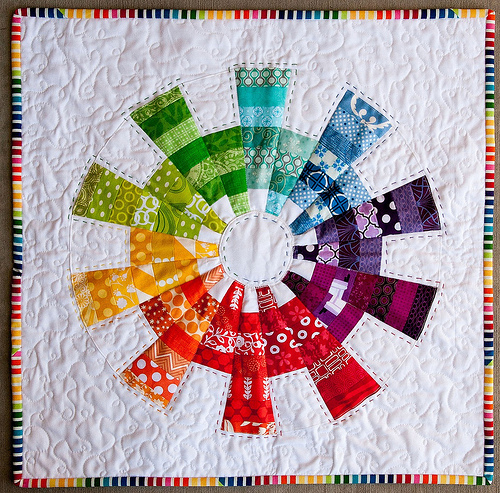 EZ Dresden Color Cog Mini Quilt - Tutorial