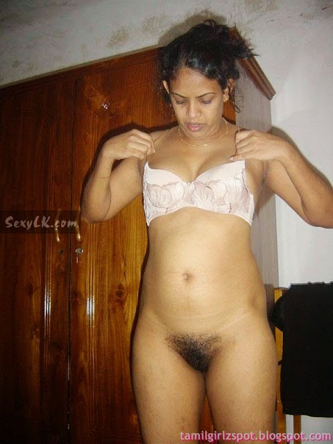 horny slipi south hot bhabhi strips naked enjoy changing