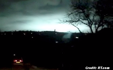 Mysterious Flash in Sky Frightens Local Residents - Shuts Down Street Lights 3-16-15