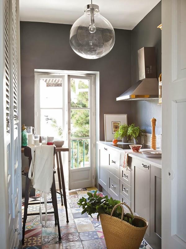 amenajari, interioare, decoratiuni, decor, design interior, interior in maro, gri, verde si rosu, living, bucatarie