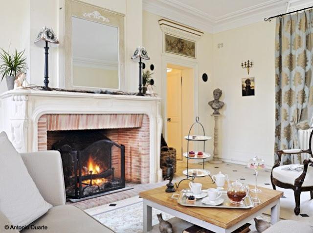 idée de décoration cheminée classique charme