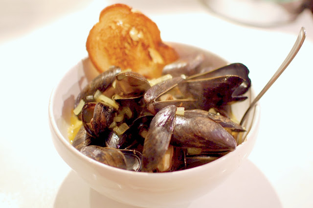 Reckless Abandon: Steamed Mussels in a White Wine Saffron Broth