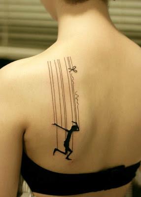 Tatuaje títere en blanco y negro