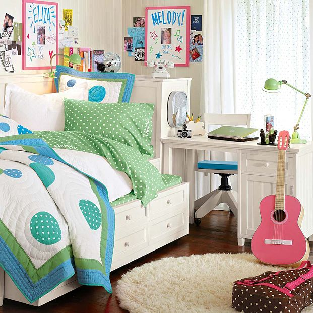 Dorm room decorating ideas dorm room ideas for girls for Dorm bathroom ideas