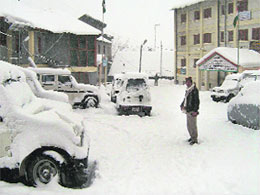 More snow in Himachal, cold wave continues