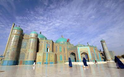 Afghanistan, Women, Religion, Islam, Mosque, Mazar-i-Sharif, Blue Mosque,  Hazrat Ali (R.A), Shrine, City, Balkh, Province,  Khalifah, Architecture,