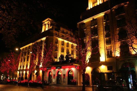 Hotel Royal Suite Four Seasons George V Paris Prancis