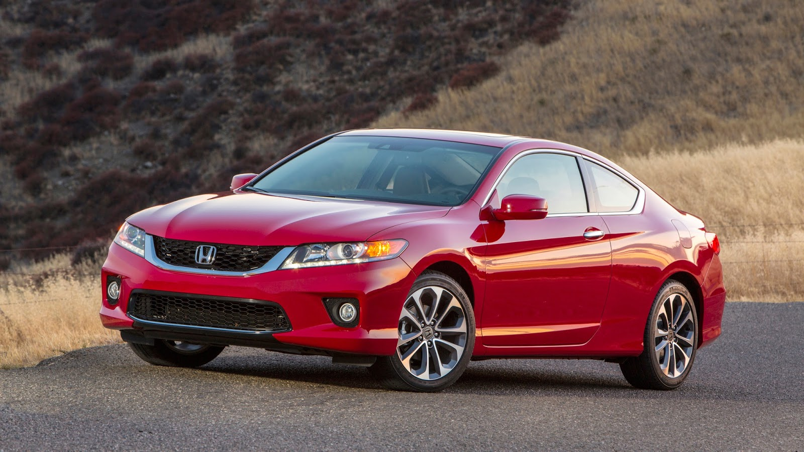 Using The Most High Strength Steel In The Modelu0027s History, The 2013 Honda  Accord Sedan And Coupe Bodies Combine Sophisticated And Athletic Styling  With ...