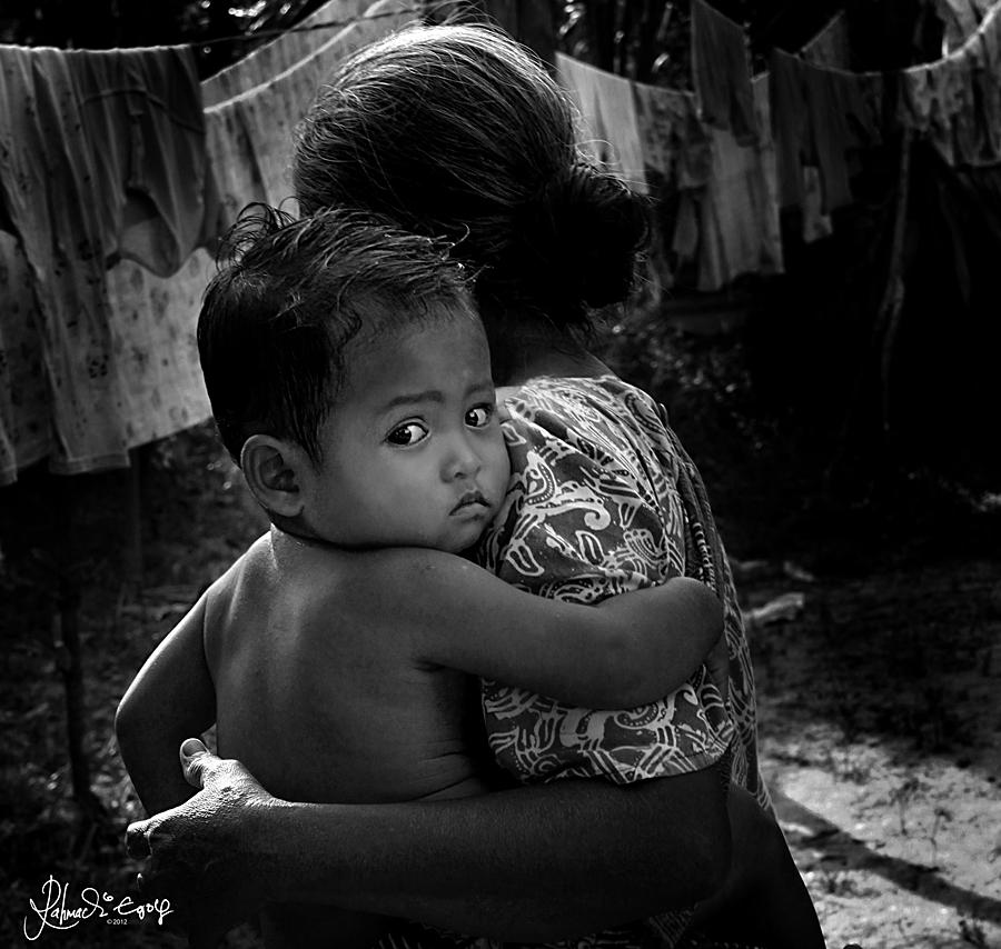 foto tatapan seorang anak kecil