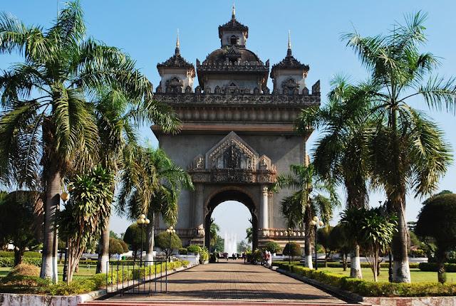 patuxai-triumphal-arches