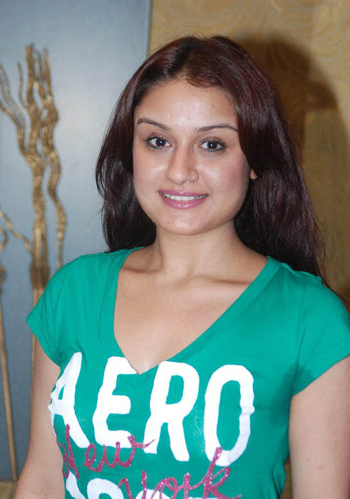 sonia agarwal new glamour  images