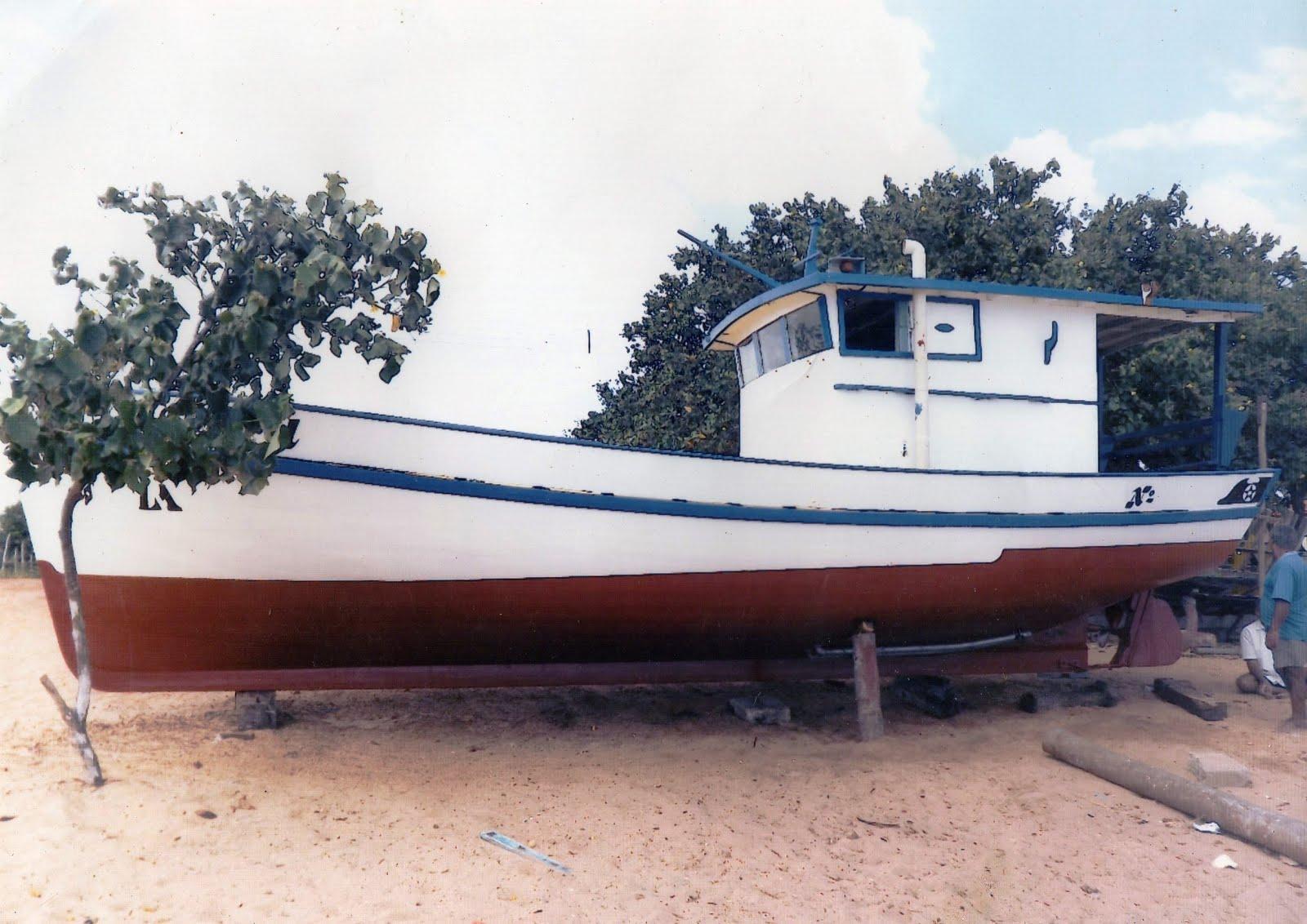 Vende-se Barco 10,20 metros de tamanho x 3,90 metros de largura em Caiçara do Norte/RN
